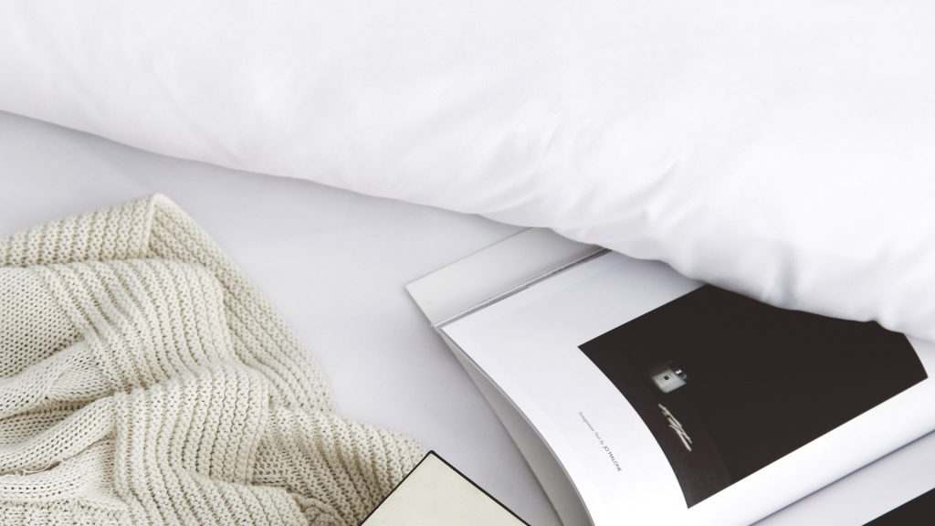 Lotus attitude - White ชุดผ้าปูที่นอน